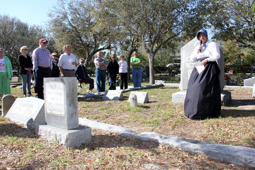 More than 50 people attended the two Hillside Cemetery tours on Saturday, M arch 4. Photo by Jacque Estes