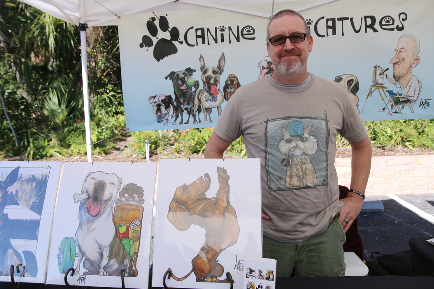Artist John LaFree of Canine Caricatures. Photo by Jarleene Almenas